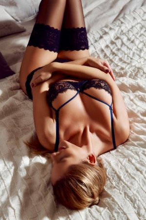 Melwenn escort girls in Mechanicsville